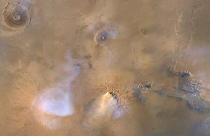 Bí ẩn những 'ngọn tháp ma' cao hàng chục dặm trên Sao Hỏa