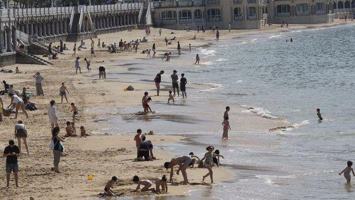 Tây Ban Nha hạn chế thời gian du khách tại bãi biển