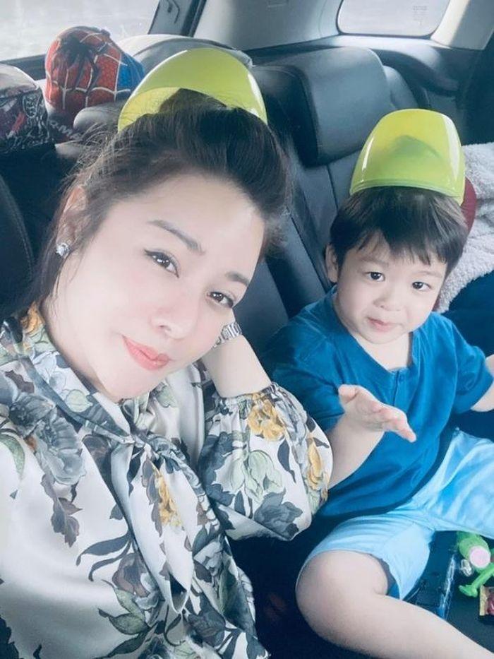Nhật Kim Anh tố gia đình chồng cũ đuổi ra khỏi nhà khi đến đón con đi chơi 1/6