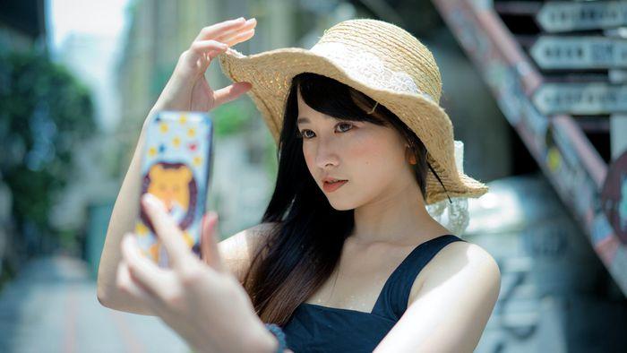 'Hội chị em' có thể sẽ không còn được 'chỉnh da, bóp mặt' trên điện thoại Android 1