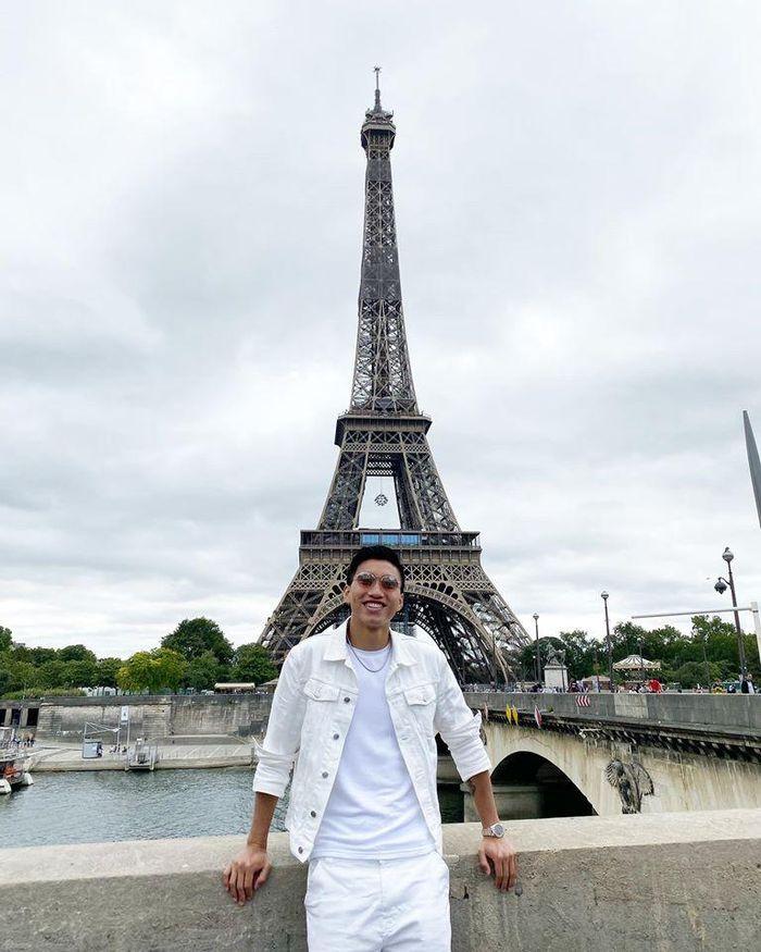 Chùm ảnh Đoàn Văn Hậu khoe áo đấu tại Juventus - ảnh 7