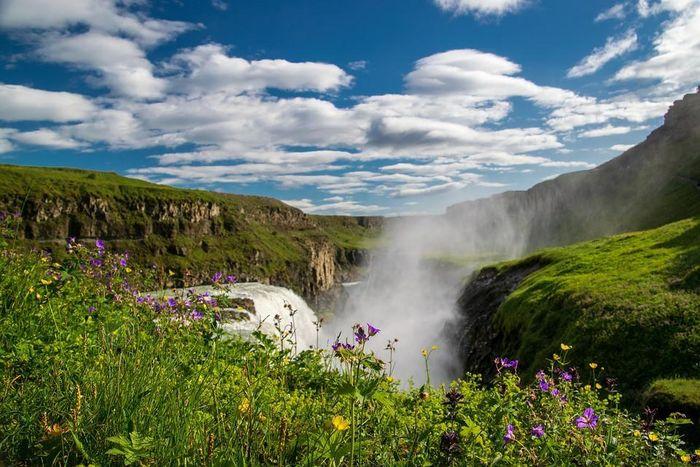 Thác máu kinh dị và những thác nước kỳ lạ nhất thế giới - ảnh 12.