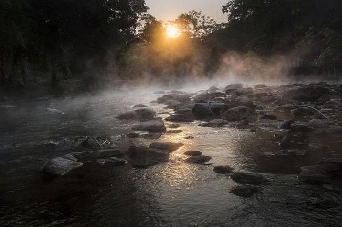 Kỳ bí dòng sông sôi có thể luộc chín mọi sinh vật - ảnh 5.