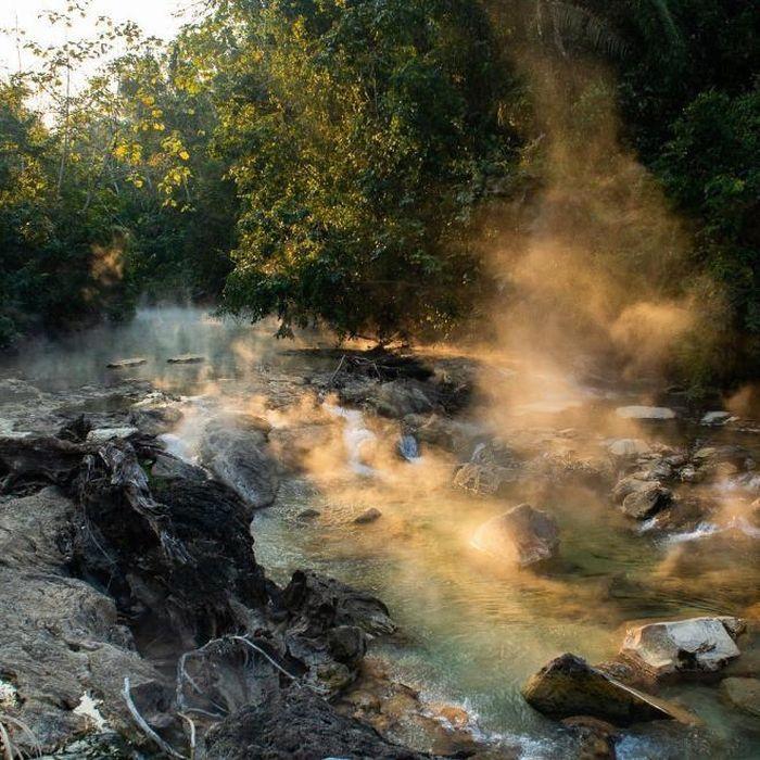 Kỳ bí dòng sông sôi có thể luộc chín mọi sinh vật - ảnh 6.