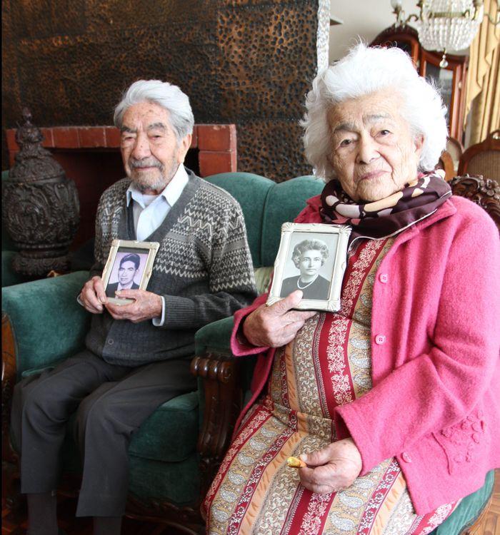 Ngưỡng mộ cặp vợ chồng cao tuổi nhất thế giới, bên nhau 80 năm - Báo Kiến  Thức