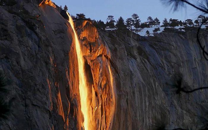 Chùm ảnh: Ngắm hiện tượng 'thác lửa' cực hiếm gặp ở Mỹ - ảnh 6.