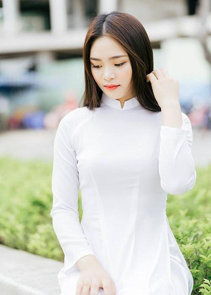 Gương mặt khả ái của 9X Quảng Nam thi Hoa hậu Việt Nam 2020