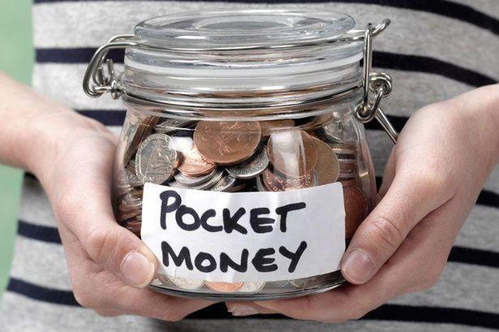 Anh: Trẻ em chi tiền cho game nhiều hơn kẹo và sách