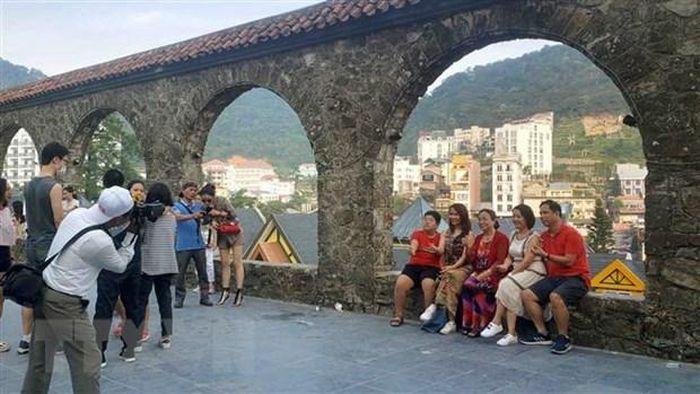 COVID-19: 'Cú huých' để ngành du lịch thực hiện nhanh chuyển đổi số
