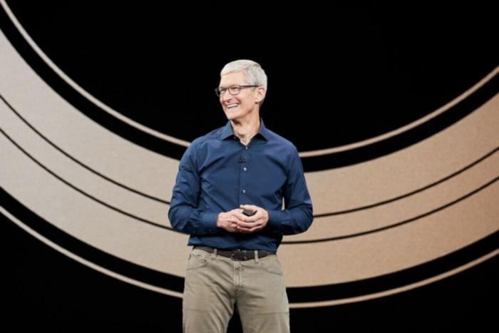 'Thuyền trưởng' Apple - Tim Cook được thưởng đậm bằng cổ phiếu