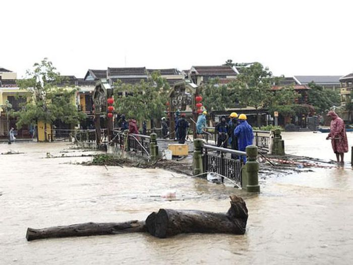 Sẵn sàng cứu hộ, khắc phục hậu quả mưa lũ - Báo Người Lao Động