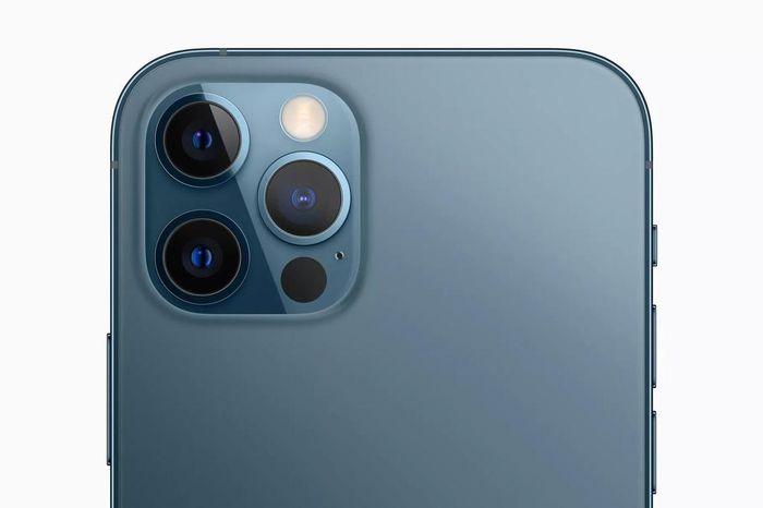 Lý do bạn nên mua iPhone 12 đắt tiền nhất