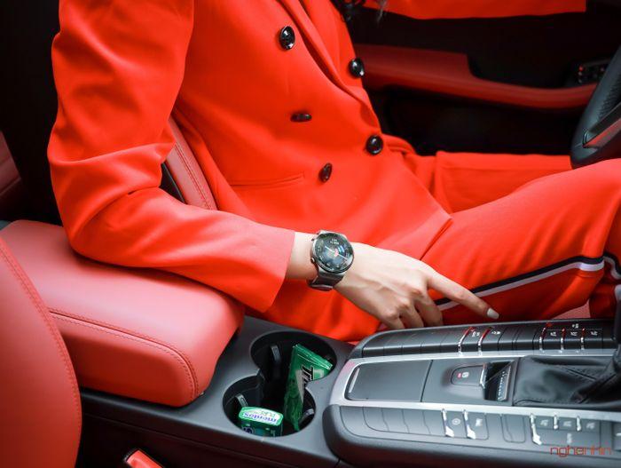 Trên tay smartwatch Huawei GT 2 Pro tại Việt Nam: chuẩn cao cấp