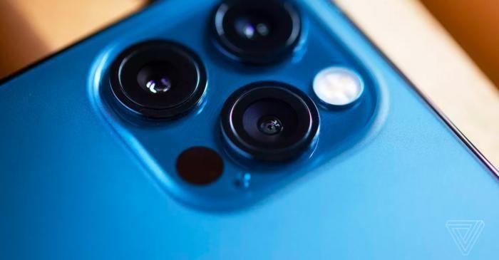 IPhone 12 Pro ở Ấn Độ đến mức mua vé máy bay khứ hồi sang Dubai mua vẫn tiết kiệm hơn