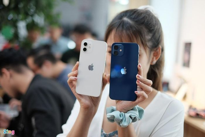 Trải nghiệm nhanh chiếc iPhone 12 đầu tiên về Việt Nam