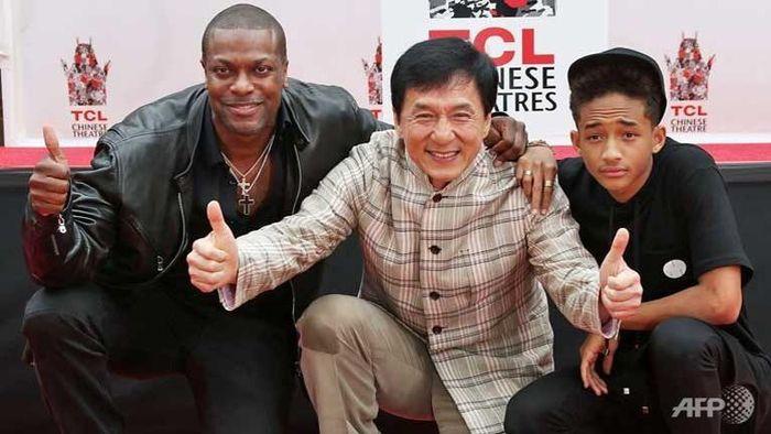 Vì sao Thành Long (Jackie Chan) thường xuyên mất tích trong Hollywood