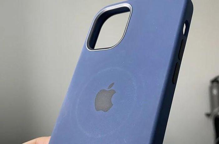 Apple đưa ra cảnh báo bộ sạc MagSafe có thể làm hỏng bao da, ốp lưng của iPhone