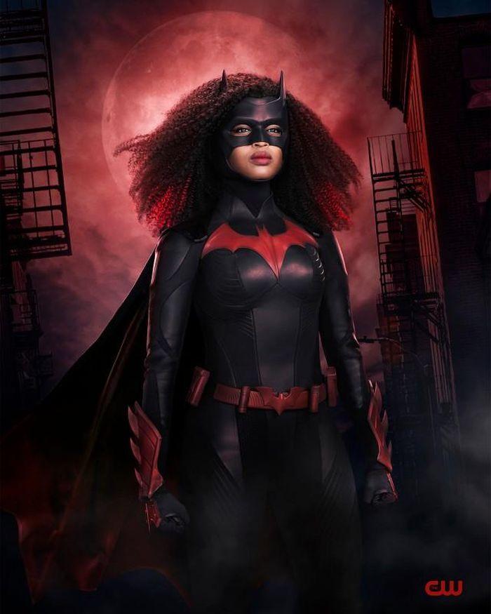 Ngắm nhìn nữ người dơi da màu xinh đẹp trong tạo hình mới của Batwoman