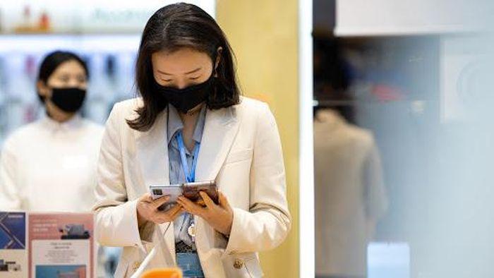 Apple chứng kiến doanh thu từ iPhone suy giảm, Samsung lãi 'khủng' nhờ điện thoại
