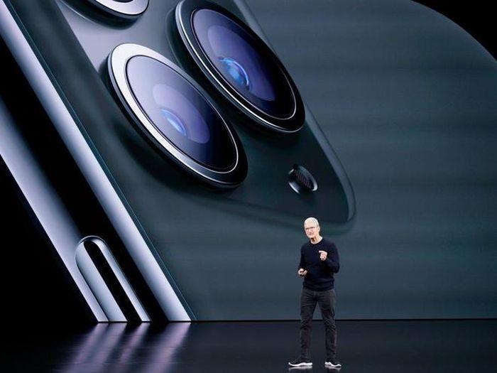 Giá trị Apple bay hơi 450 tỷ USD