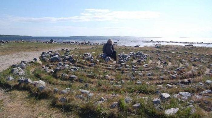 Kỳ bí những mê cung bằng đá ở Nga - ảnh 3.