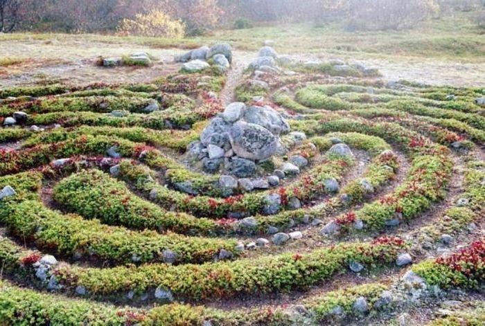 Kỳ bí những mê cung bằng đá ở Nga - ảnh 5.