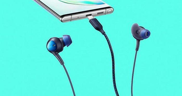 'Chơi trội' hơn Apple, Samsung có thể sẽ tặng kèm tai nghe không dây Galaxy Buds Beyond cho Galaxy S21