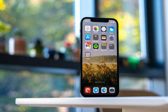 IPhone 12 cải thiện đáng kể về khả năng chịu va chạm và rơi từ trên cao