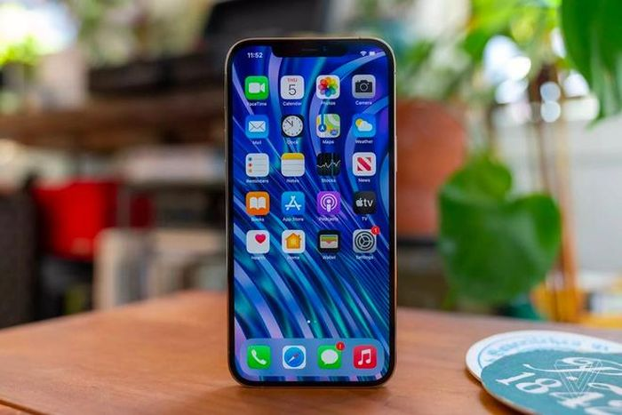 Màn hình iPhone 12 Pro Max gần như hoàn hảo