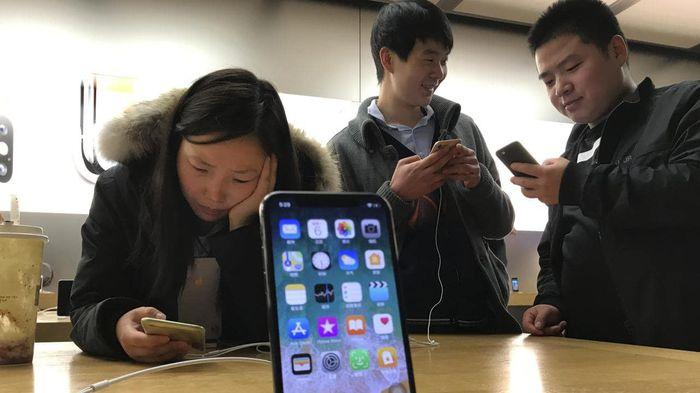 Tòa án Trung Quốc ra phán quyết cấm bán loạt iPhone