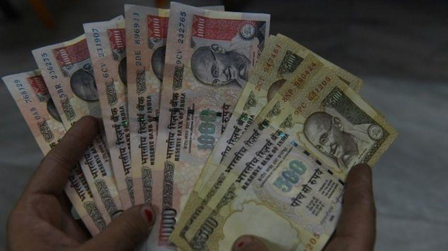 Ấn Độ bất ngờ bỏ tiền mệnh giá lớn 500 và 1.000 rupee - Doanh Nghiệp Việt  Nam