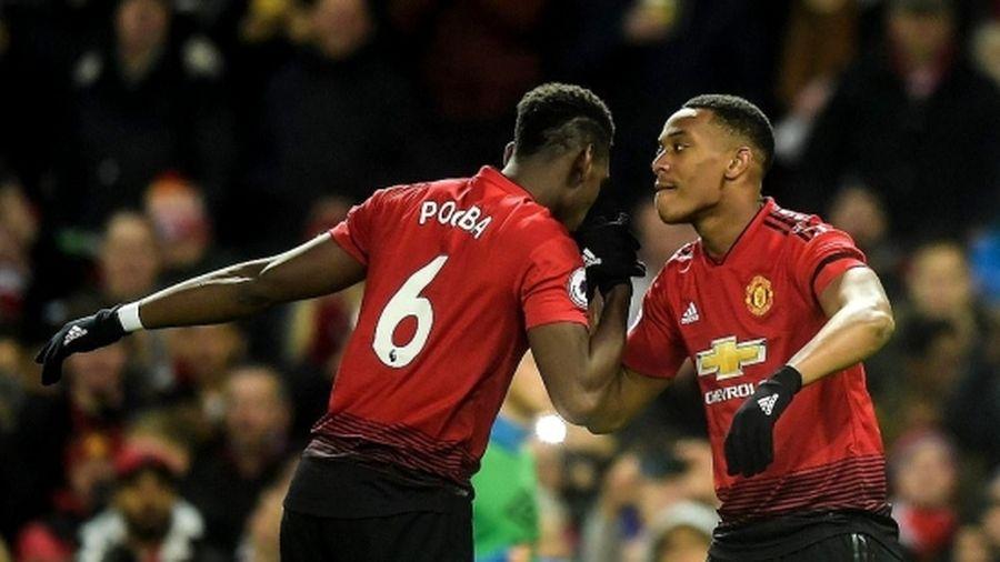 Pogba và Martial lập công giúp M.U thắng sát nút Everton